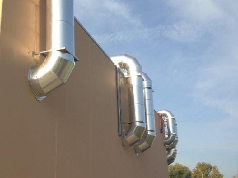 Impianto di rinnovo aria per capannone industriale