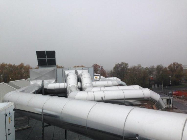 Impianto di climatizzazione a tutt'aria per industria produzione materie plastiche